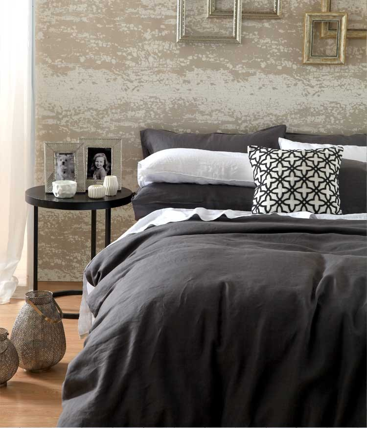 Laundered Linen Charcoal Super King Quilt Cover Set By Mm