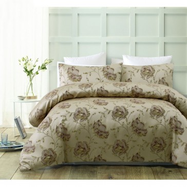 Regal Rose Queen Quilt Cover Set by Accessorize