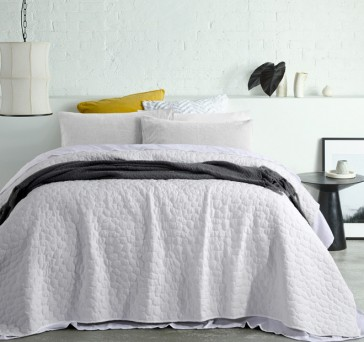 Pebble White Washed Queen Coverlet by Accessorize