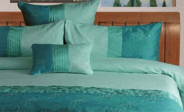 Bella Quilt Cover Set by Phase 2