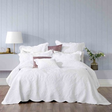 Cordelia White Bedspread Set