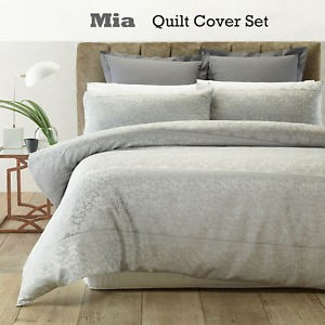 Mia Quilt Cover Set by Phase 2