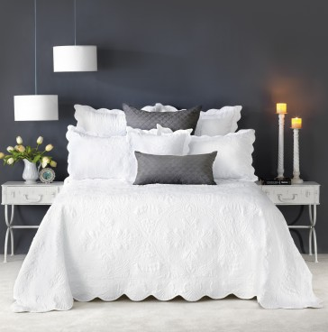 Shayla Bedspread Set by Bianca