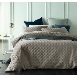 Diamond King Bone Quilted Cotton Velvet Quilt Cover Sets