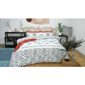 Imala Black & White Quilt Cover Set by Apartmento