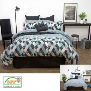Axel Single/Double Comforter Set by Apartmento