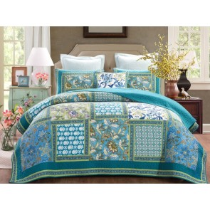 Aquamarine Bedspread by Classic Quilts