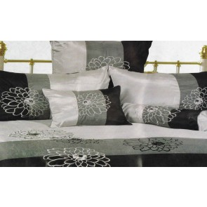 Georgina Queen Quilt Cover Set by Phase 2