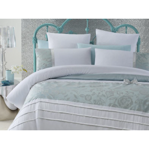 Hannah Quilt Cover Set by Phase 2