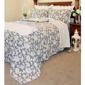 Juliette Bedspread by Classic Quilts