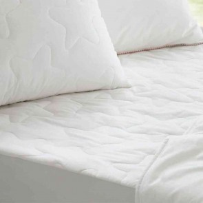 Snow Kids Waterproof Mattress Protector by Sheridan
