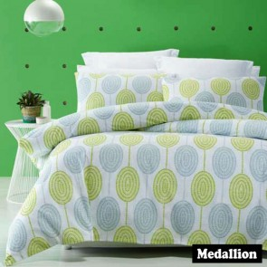 Medallion Quilt Cover Set by Phase 2