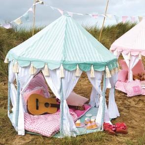 Pavilion by Petit