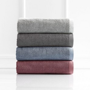 Resort 650 GSM Textured Bath Towels by Renee Taylor