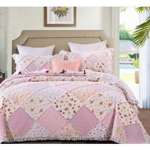 Sarah Rose Bedspread by Classic Quilts