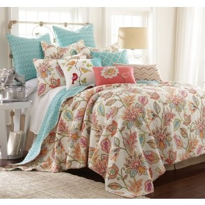 Sophia Bedspread by Classic Quilts