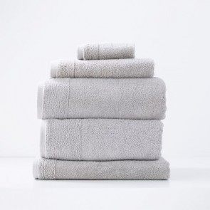 Aireys 650 GSM Zero Twist Individual Bath Towel by Renee Taylor