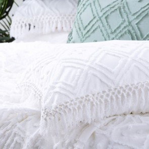 White Medallion 100% cotton Vintage washed Tuffted Bed Cover set by Park Avenue