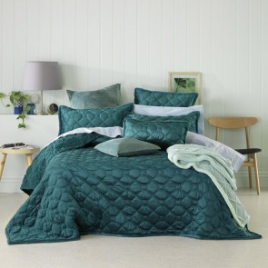 Yaxley Teal Single/Double Coverlet Set by Bianca