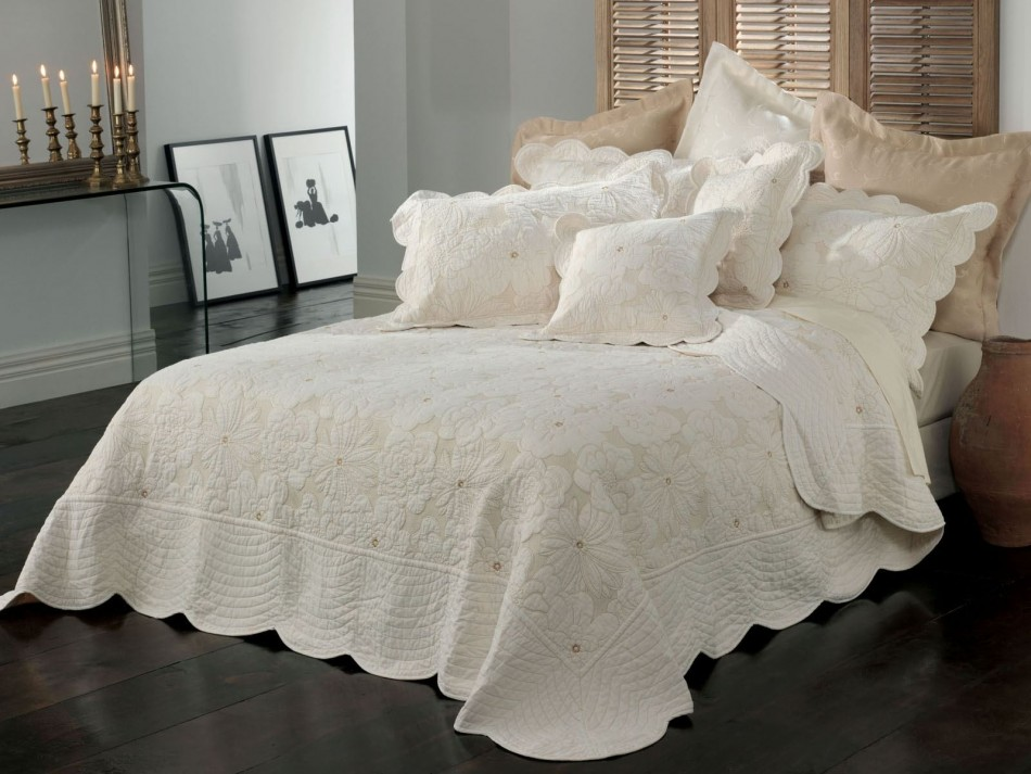 Chardae Bedspread sale discount coupon