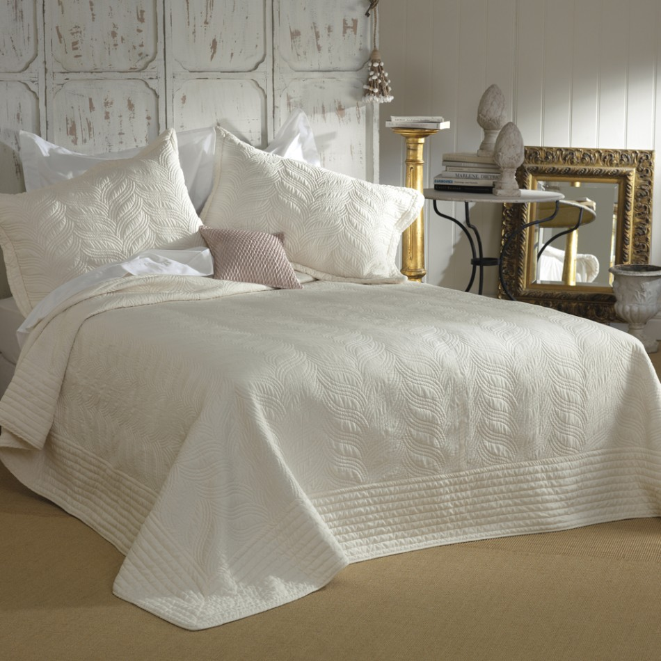 Prudence bedspread by Bianca sale deal
